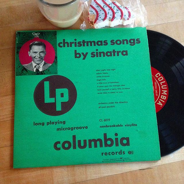 it is impossible to place frank sinatras third album released as four 78 rpms and also as a standalone 10 inch disc in its specific time period - The Sinatra Christmas Album