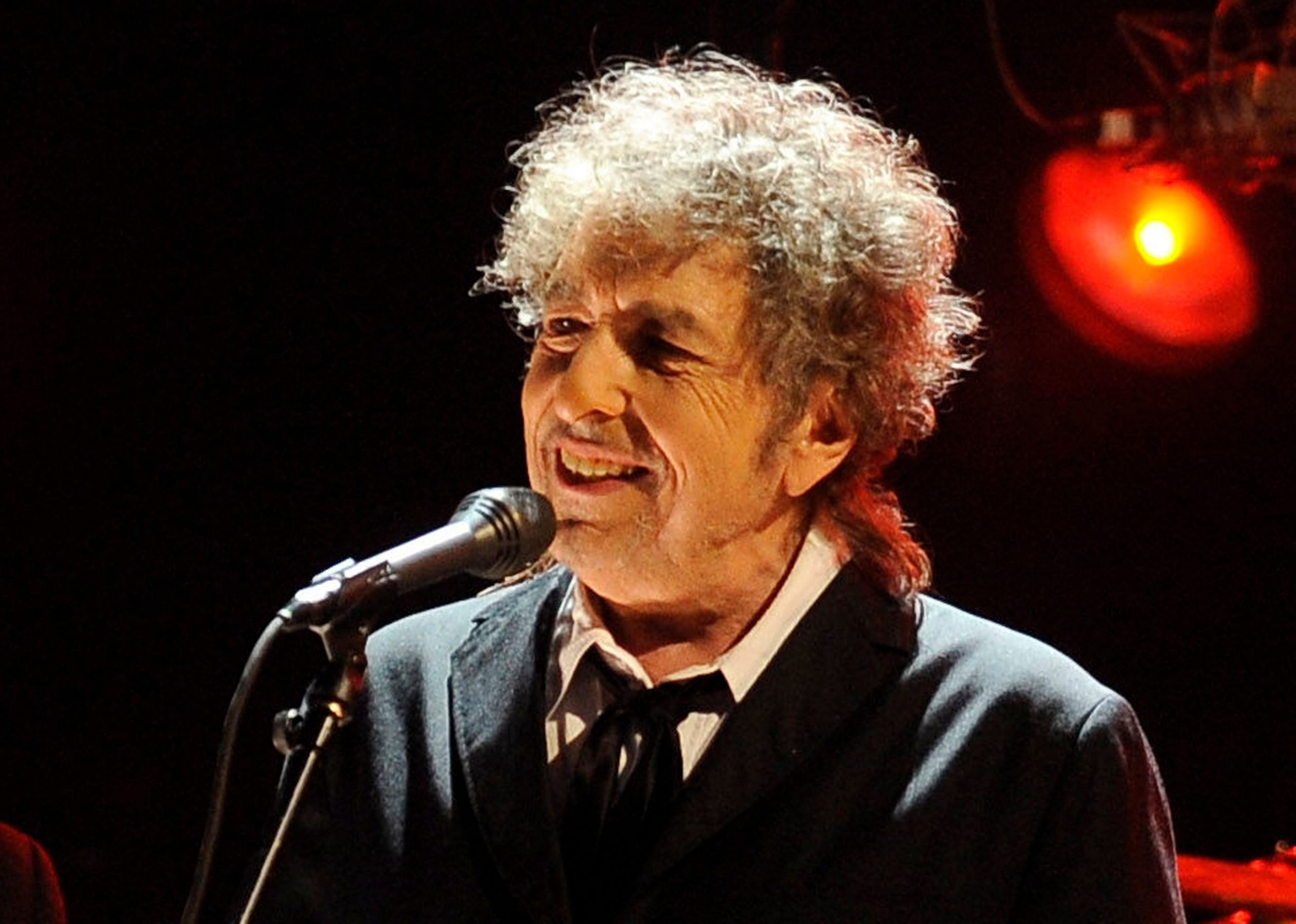 Bob Dylan Has Sold His Entire Song Catalog